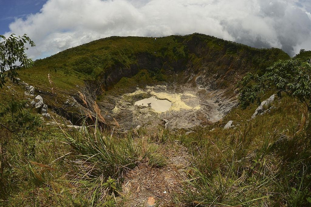 Mount Mahawu crater