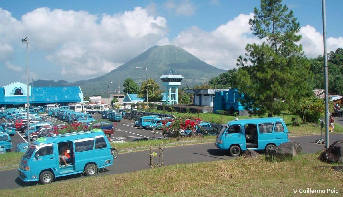 Bus Terminal, Tomohon